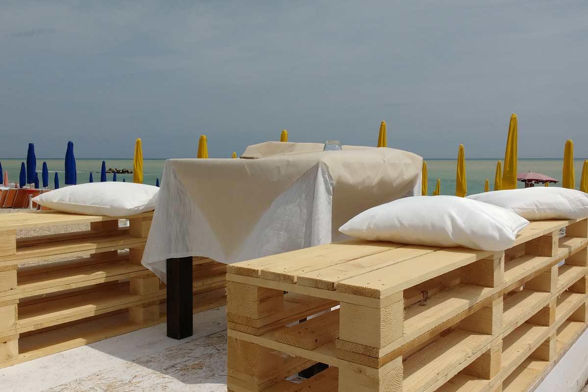 Pallet arredo idee creative e innovative sulla casa e l for Arredo e design